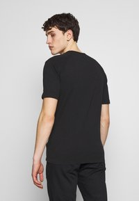 C.P. Company - Basic T-shirt - black - 2