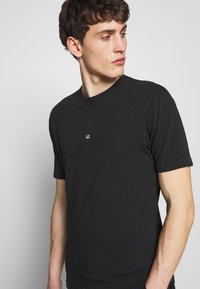C.P. Company - Basic T-shirt - black - 3