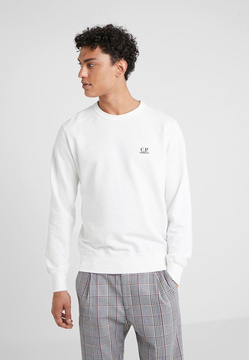 C.P. Company - LOGO CREW NECK LIGHT - Collegepaita - white