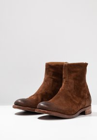 Cordwainer - Botki - florence snuff - 2