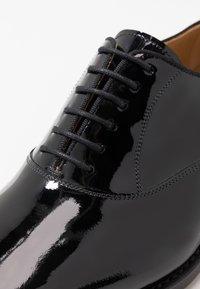 Cordwainer - NIAGARA - Elegantní šněrovací boty - charol black - 5