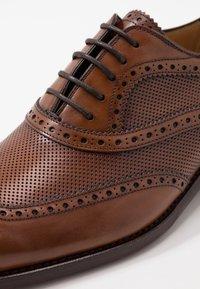 Cordwainer - HUTYON - Elegantní šněrovací boty - capri noce/noce miel - 6