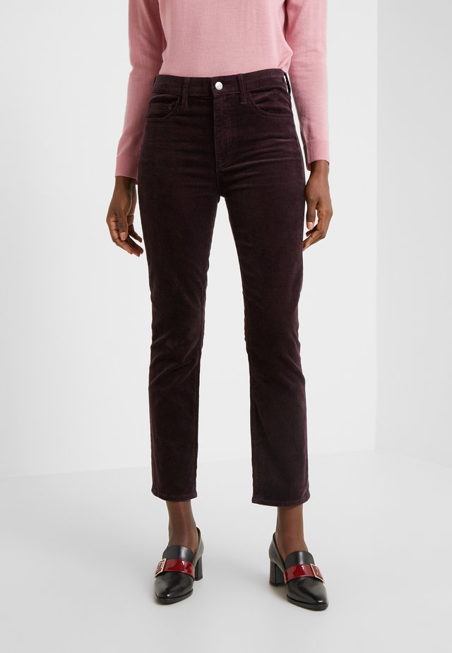 THE HIGH RISE - Trousers - mulled wine