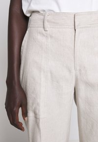 Club Monaco - HADARAHH PANT - Pantaloni - beige - 4