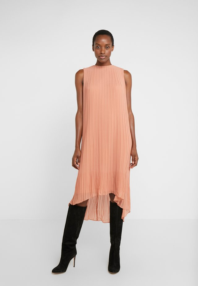 PLEATED HIGH LOW DRESS - Day dress - peach