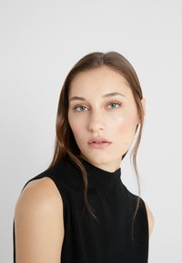 Club Monaco - KAYTEE DRESS - Vestito estivo - black - 4
