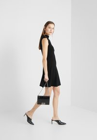 Club Monaco - KAYTEE DRESS - Vestito estivo - black - 1
