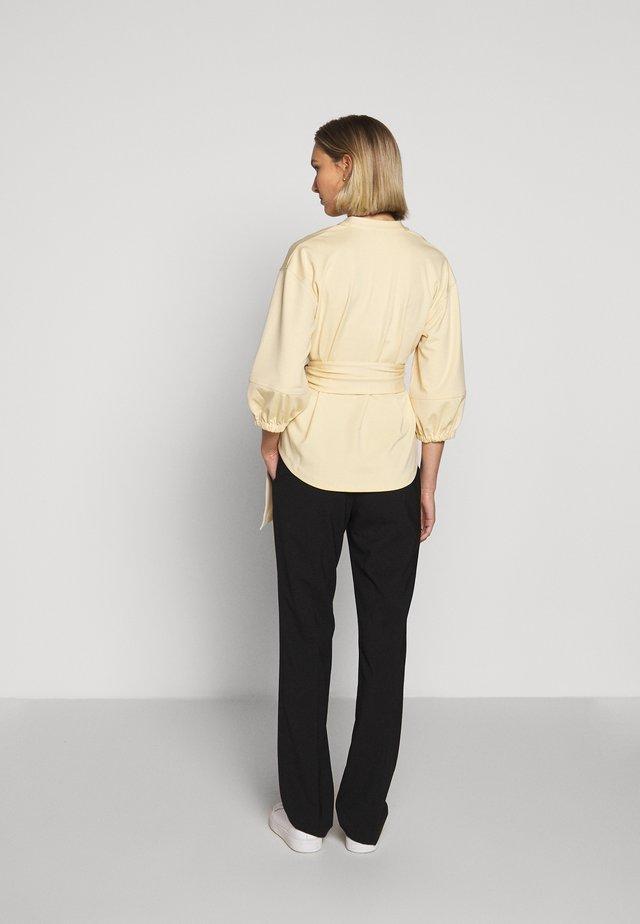 TUNIC WRAP - Pitkähihainen paita - beige