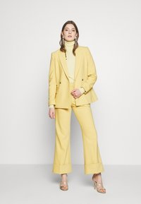 Club Monaco - Blazer - yellow - 1