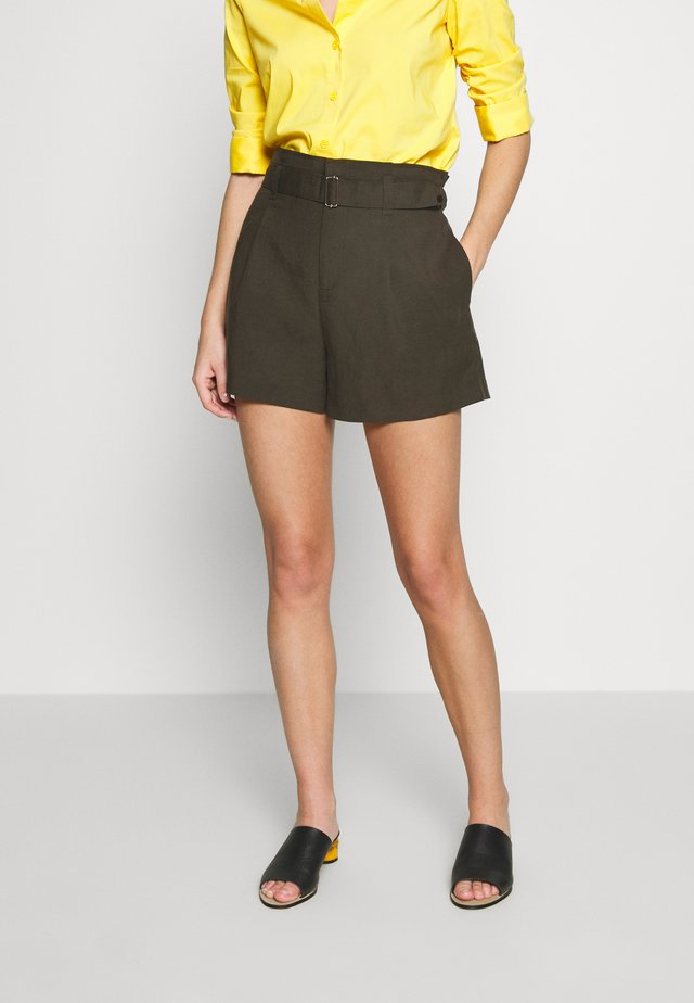 WEAR FORWARD SHORT - Short - new olive