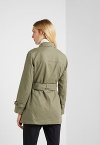 Club Monaco - MITYAH JACKET - Kort kappa / rock - aloe - 2