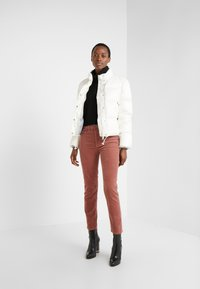 Club Monaco - CROPPED JACKET - Doudoune - buttercream - 1