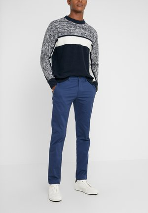 CONNOR STRETCH - Chinot - blue