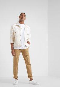 Club Monaco - CONNOR STRETCH - Spodnie materiałowe - dark khaki - 1