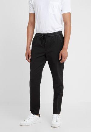 TRAVEL PANT - Pantalon classique - black