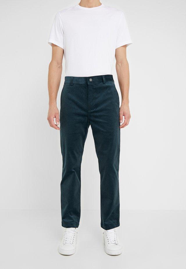 PANT - Pantaloni - green