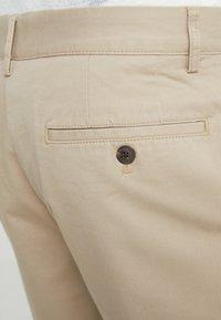 Club Monaco - MADDOX - Shorts - khaki - 4