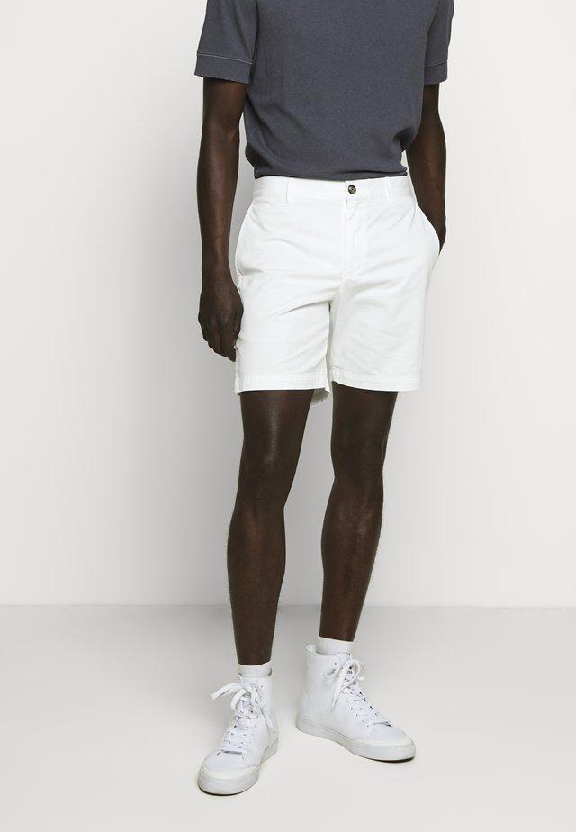 BAXTER - Shorts - blanc de blanc