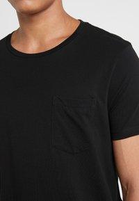 Club Monaco - WILLIAMS TEE - T-shirt basic - black - 4