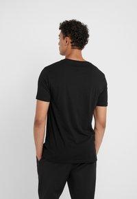 Club Monaco - WILLIAMS TEE - T-shirt basic - black - 2