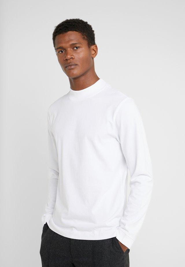 MOCKNECK TEE - Pitkähihainen paita - white