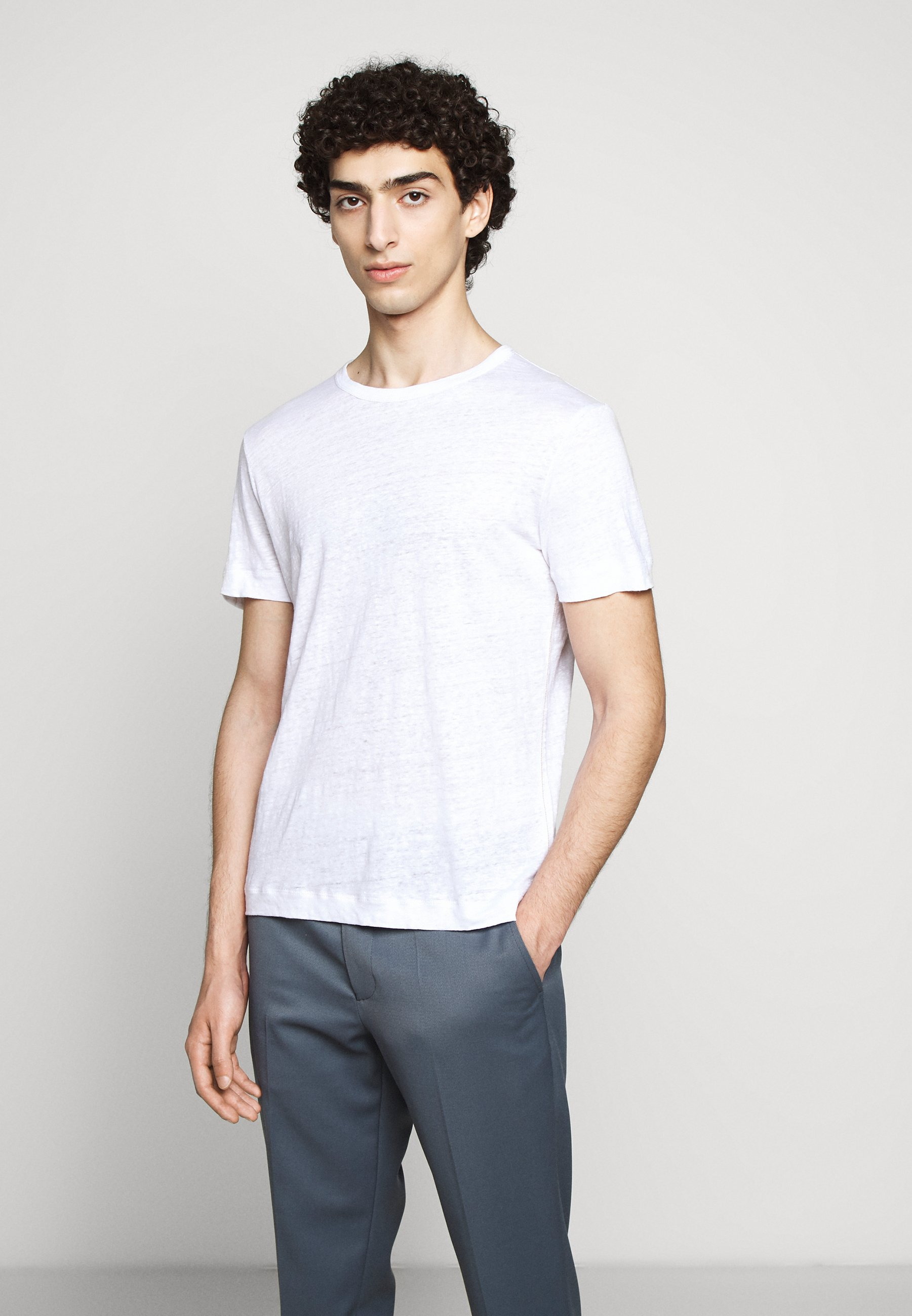 Club Monaco CREW - T-shirts - white
