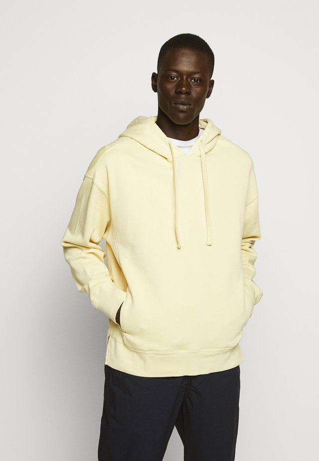 SUNKISSED HOODIE - Sweat à capuche - banana leaf