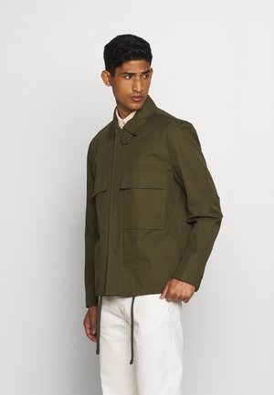 FIELD JACKET - Lehká bunda - army green