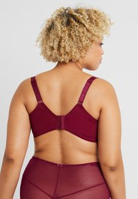 Curvy Kate - DELIGHTFUL FULL COVERAGE CUP BRA - Underwired bra - plum - 2