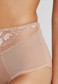 Curvy Kate - DELIGHTFUL HIGH WAIST BRIEF - Pants - latte - 4