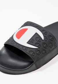 Champion Reverse Weave - POOL SLIDES - Sandales de bain - black - 5