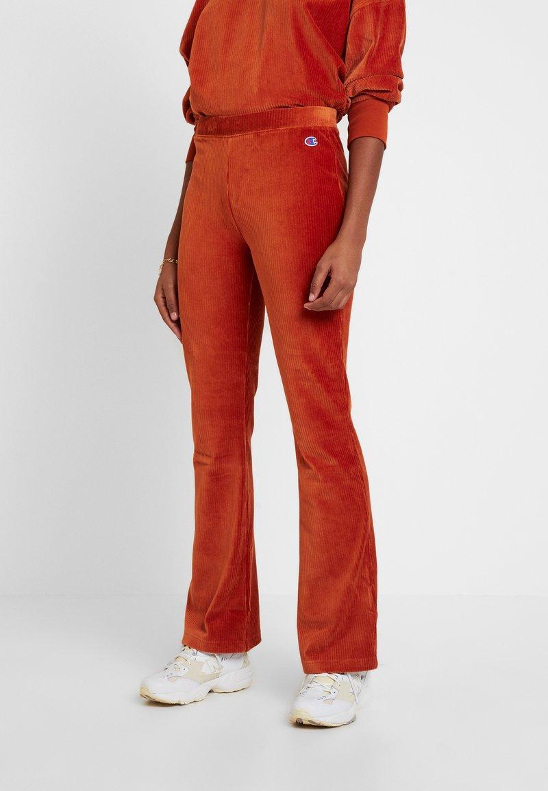 Champion Reverse Weave - BELL BOTTOM PANTS - Spodnie materiałowe - brown
