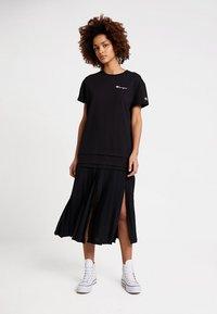 Champion Reverse Weave - DRESS - Jersey dress - black - 1