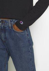 Champion Reverse Weave - CREWNECK LONG SLEEVE  - Long sleeved top - black - 5