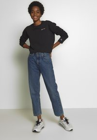 Champion Reverse Weave - CREWNECK LONG SLEEVE  - Long sleeved top - black - 1