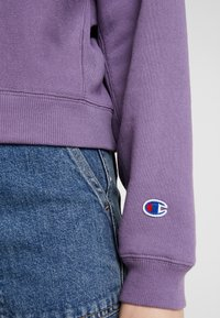 Champion Reverse Weave - SLEEVE LOGO CREW NECK - Sweater - lilac - 5