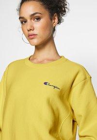 Champion Reverse Weave - CREWNECK - Sweatshirt - mustard yellow - 4