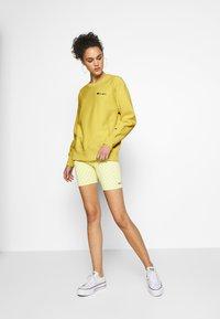 Champion Reverse Weave - CREWNECK - Sweatshirt - mustard yellow - 1