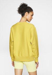 Champion Reverse Weave - CREWNECK - Sweatshirt - mustard yellow - 2