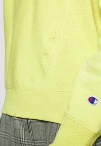 Champion Reverse Weave - Bluza z kapturem - mustard yellow - 6