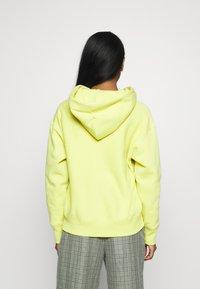 Champion Reverse Weave - Bluza z kapturem - mustard yellow - 2
