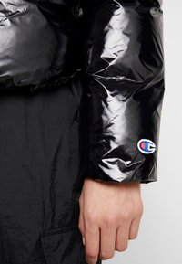 Champion Reverse Weave - PUFF JACKET - Vinterjakke - black - 3