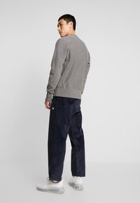 Champion Reverse Weave - STRAIGHT HEM PANTS CORD - Bukse - dark blue - 2