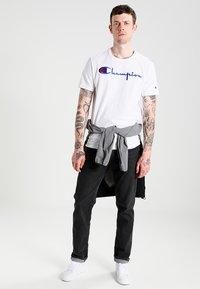 Champion Reverse Weave - SHORT SLEEVE TEE - T-shirt print - white - 1
