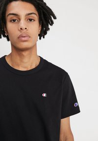 Champion Reverse Weave - BACKPRINT - Triko s potiskem - black - 4