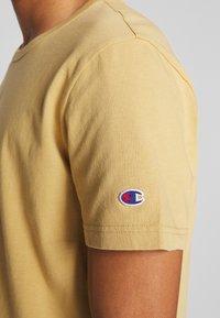 Champion Reverse Weave - CREWNECK - T-shirt basique - khaki - 5