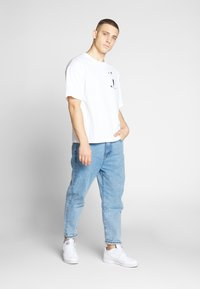 Champion Reverse Weave - CREWNECK  - T-Shirt print - white - 1