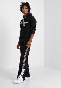 Champion Reverse Weave - HOODED - Hoodie - black - 1