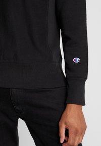 Champion Reverse Weave - SMALL SCRIPT CREWNECK  - Sweatshirt - black - 5