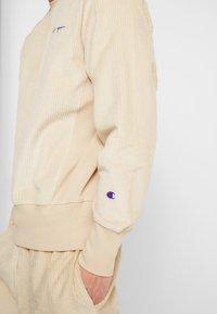 Champion Reverse Weave - CREWNECK CORD - Bluza - beige - 3
